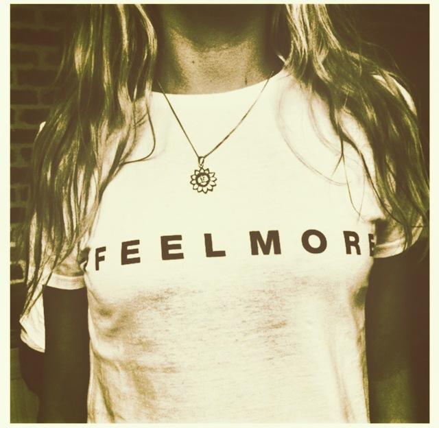 Feelmore Tee